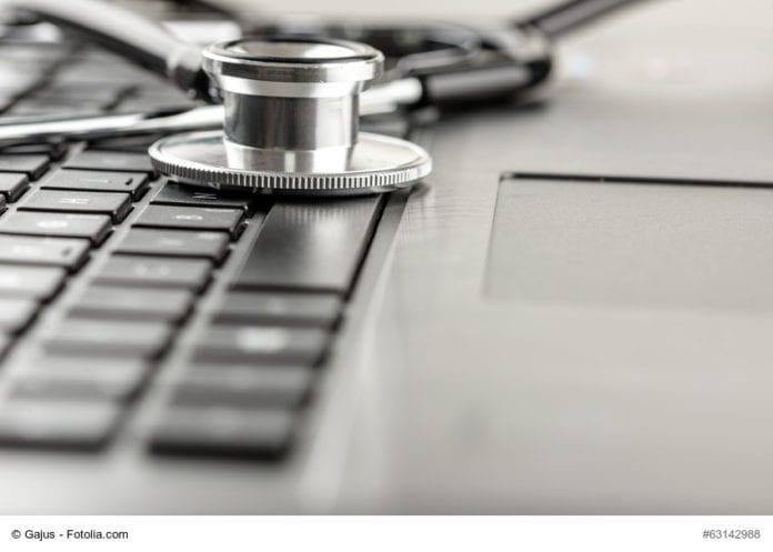 Stethoscope_Laying_On_Laptop_Image