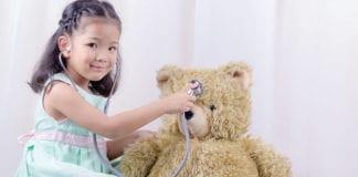 Child_Playing_Nurse_Image