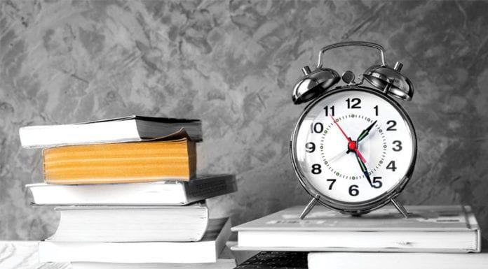 Alarm_Clock_Books_Image