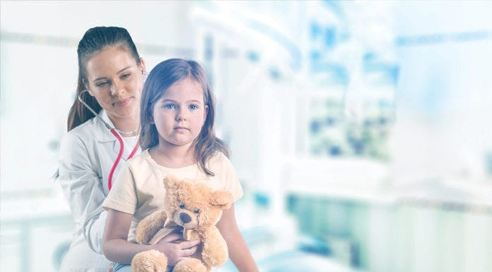 Nurse_Treatong_Girl_Image